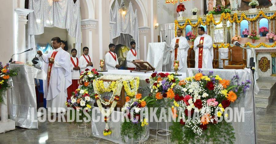 """The feast of """"Nativity of the Blessed Virgin Mary"""" at Lourdes Church Kanajar"""